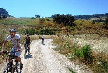camping puente bici - CAMPING PUEBLO BLANCO